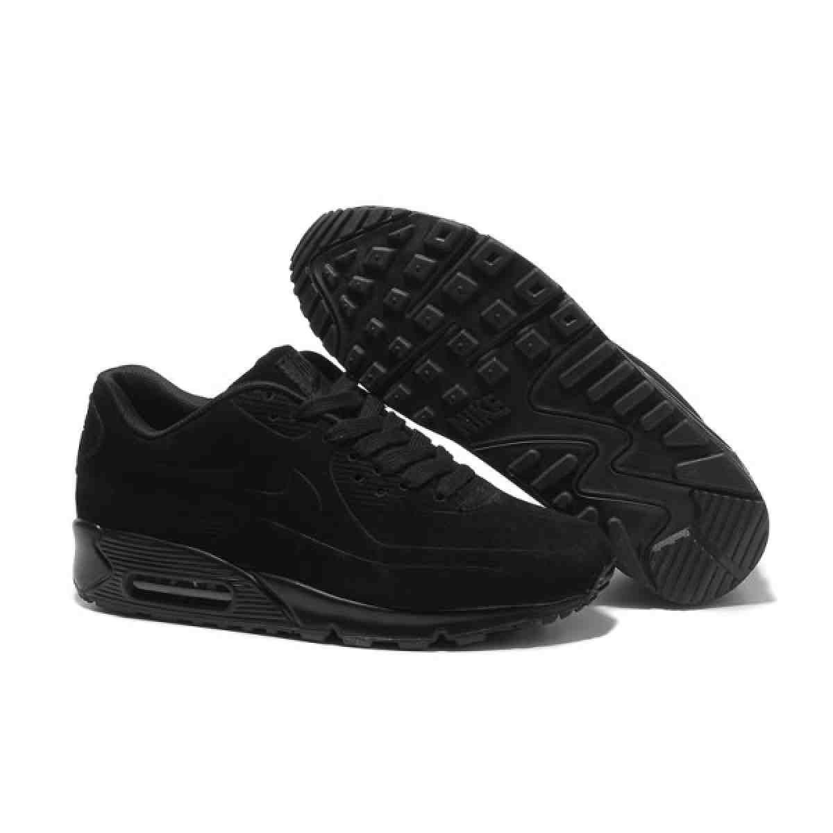 black tennis shoes womens