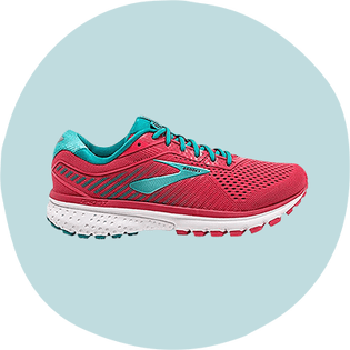 women runner shoes